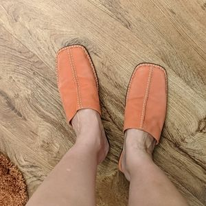 Orange shoe's